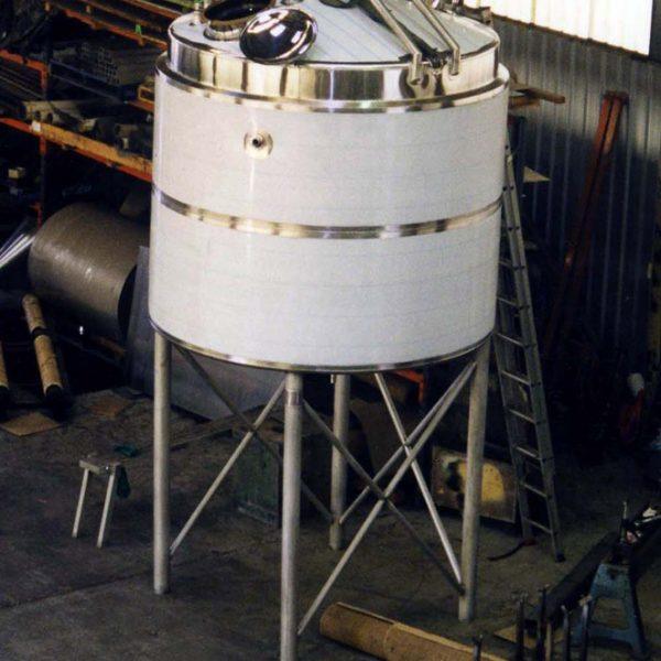 15,000 litre Dimple jacketed mix tank for chocolate sauce