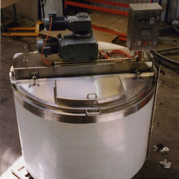 5000 litre contra mix tank for haircare products 2