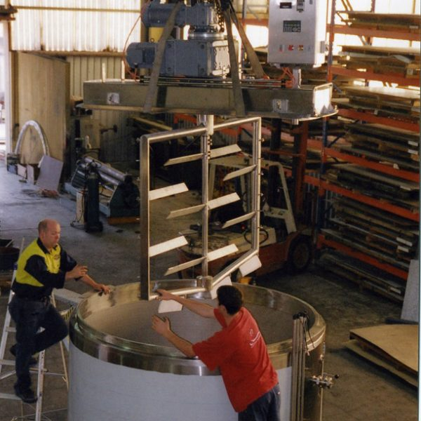 5000 litre contra mix tank for haircare products 3