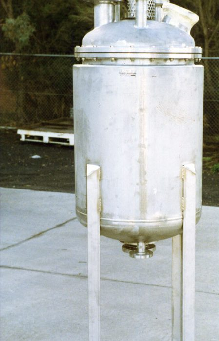 Jacketed pressure rated reactor for Nuclear science
